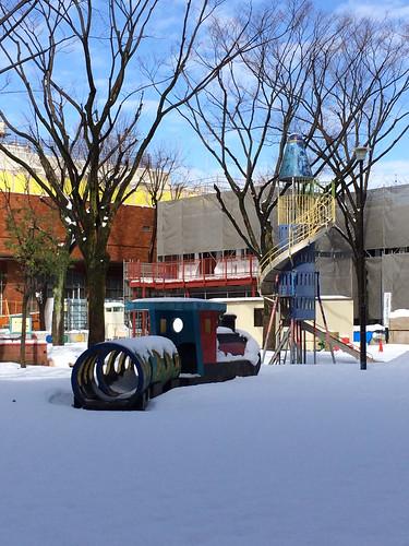 恵比寿公園の雪(工事中)