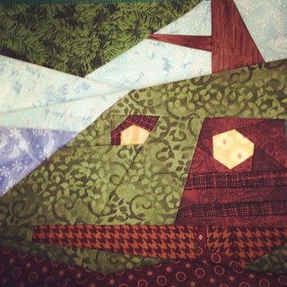 Bag End. Some are easier than others. #fandominstitches #lotr #bagend #quilting #paperpiecing