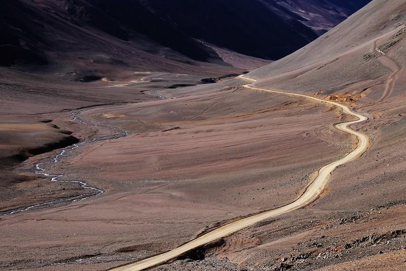 The road to Paso Agua Negra