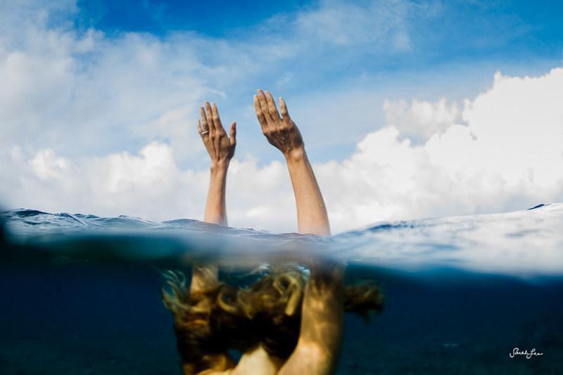 sarahlee_underwater_drowning_handsup.jpg
