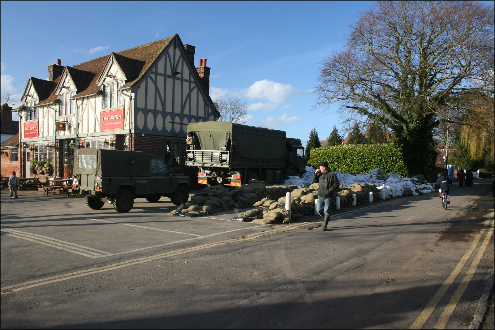 The army have taken over this pub The army have taken over this pub to distribute sandbags to help with the flooding in Cookham.