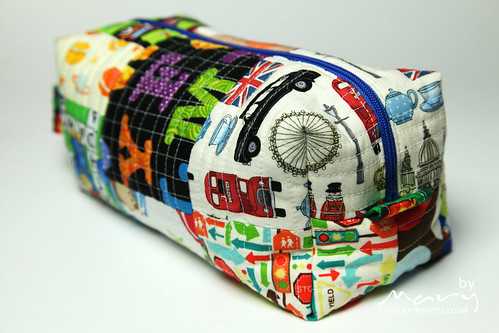 Boxy Pouch for M aka London Bus pouch