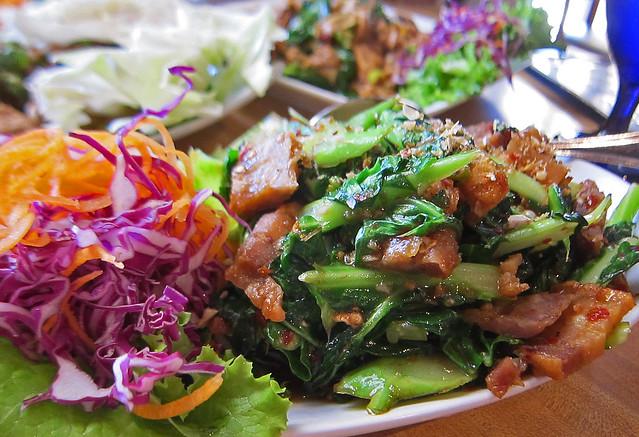 Ka Na Moo Krob (Crispy pork belly with Gailan) - Koon Thai