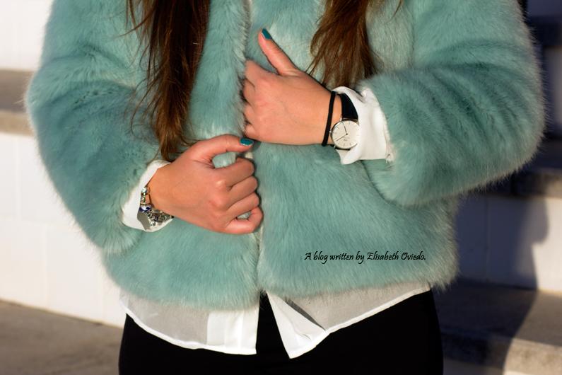 abrigo de pelo azul ZARA con jeans y botines MARYPAZ de tacón HEELSANDROSES (10)