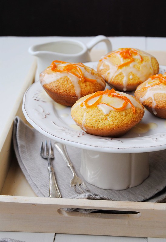 Mini Carrot Almond Cakes