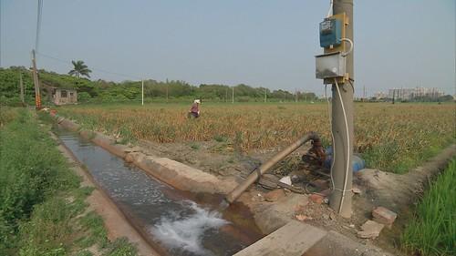 應嚴格監測與合理抽取地下水