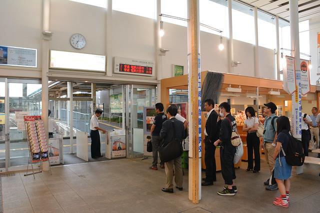 松江しんじ湖温泉駅改札