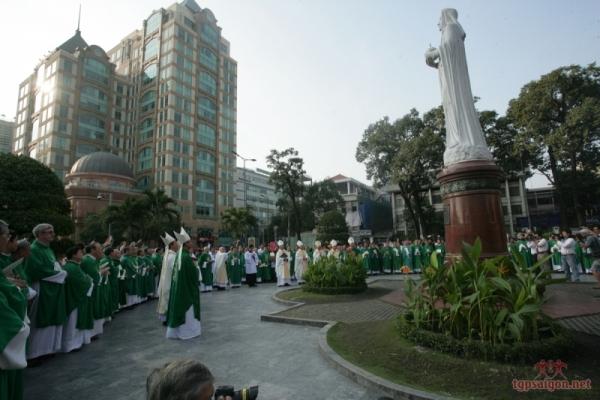 ĐHY Fernando Filoni Thăm Tổng Giáo Phận Sài Gòn Và Kết Thúc Chuyến Công Du Mục Vụ Giáo Hội Việt Nam