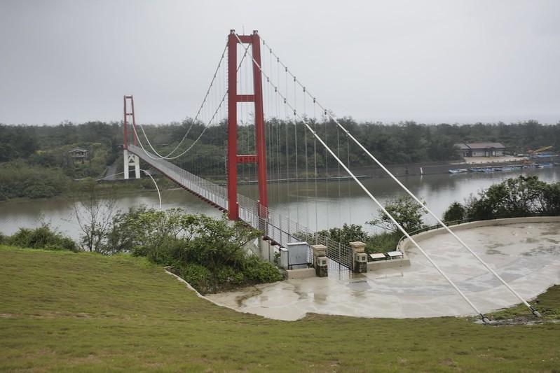 福隆的龍門吊橋