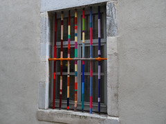 le yarn-bombing a débarqué à Besançon (Attentat-laineux)