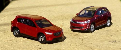 Tomica Mazda CX-5 & Norev Citroën C4 Aircross