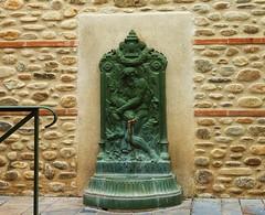 thuir, fontaine vieille ville