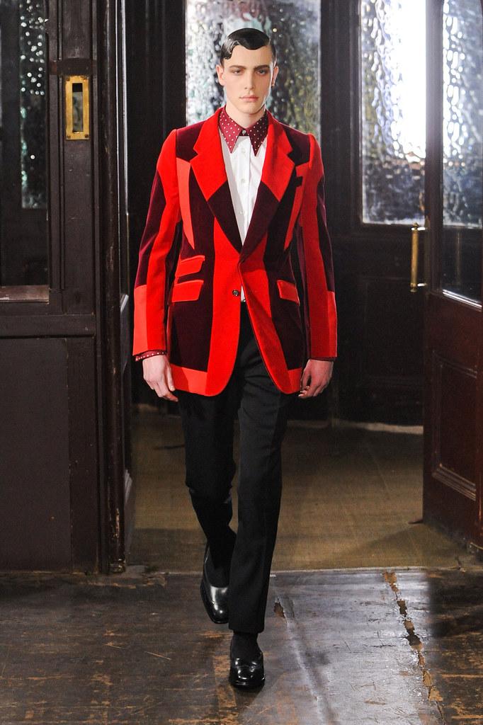 Nick Heymann3044_FW13 London Alexander McQueen(fashionising.com)