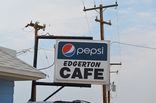 0017-01 USA Vacation, Wyoming, US387, Edgerton Cafe Sign