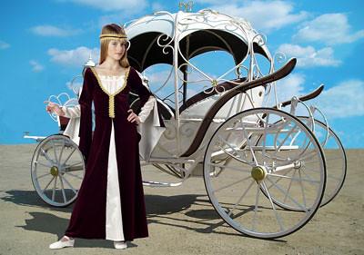 принцесса около кареты