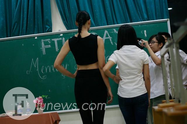 """FTU's Day 2013: Huyền Trang """"hóa trẻ"""" cùng Ngoại thương"""