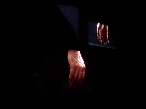 "La mano sinistra di ""Ravel, Ravel, Unravel"" by Ylbert Durishti"