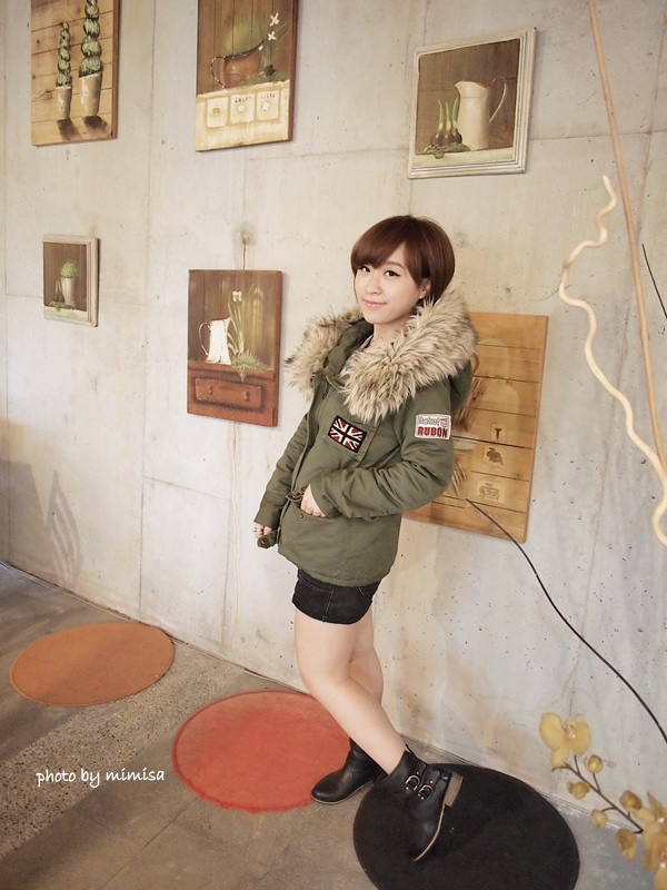 RUBON 軍綠色毛領大衣 (1)