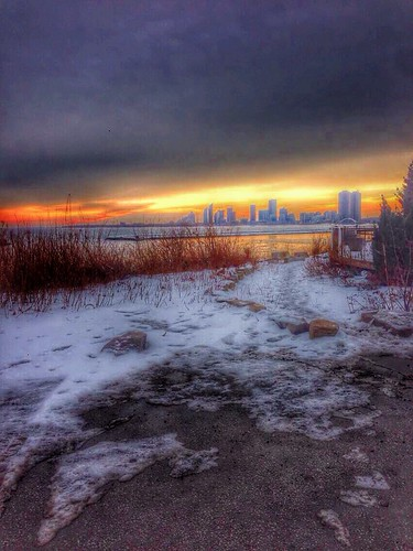 camera travel sunset sky cloud lake snow toronto ontario canada bike clouds path tourist capitol province attraction iphone on onasill