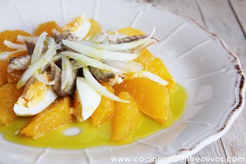 Ensalada de naranjas y caballa. www.cocinandoentreolivos (1)