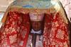 Les tabots Des prêtres portant des répliques de l'Arche