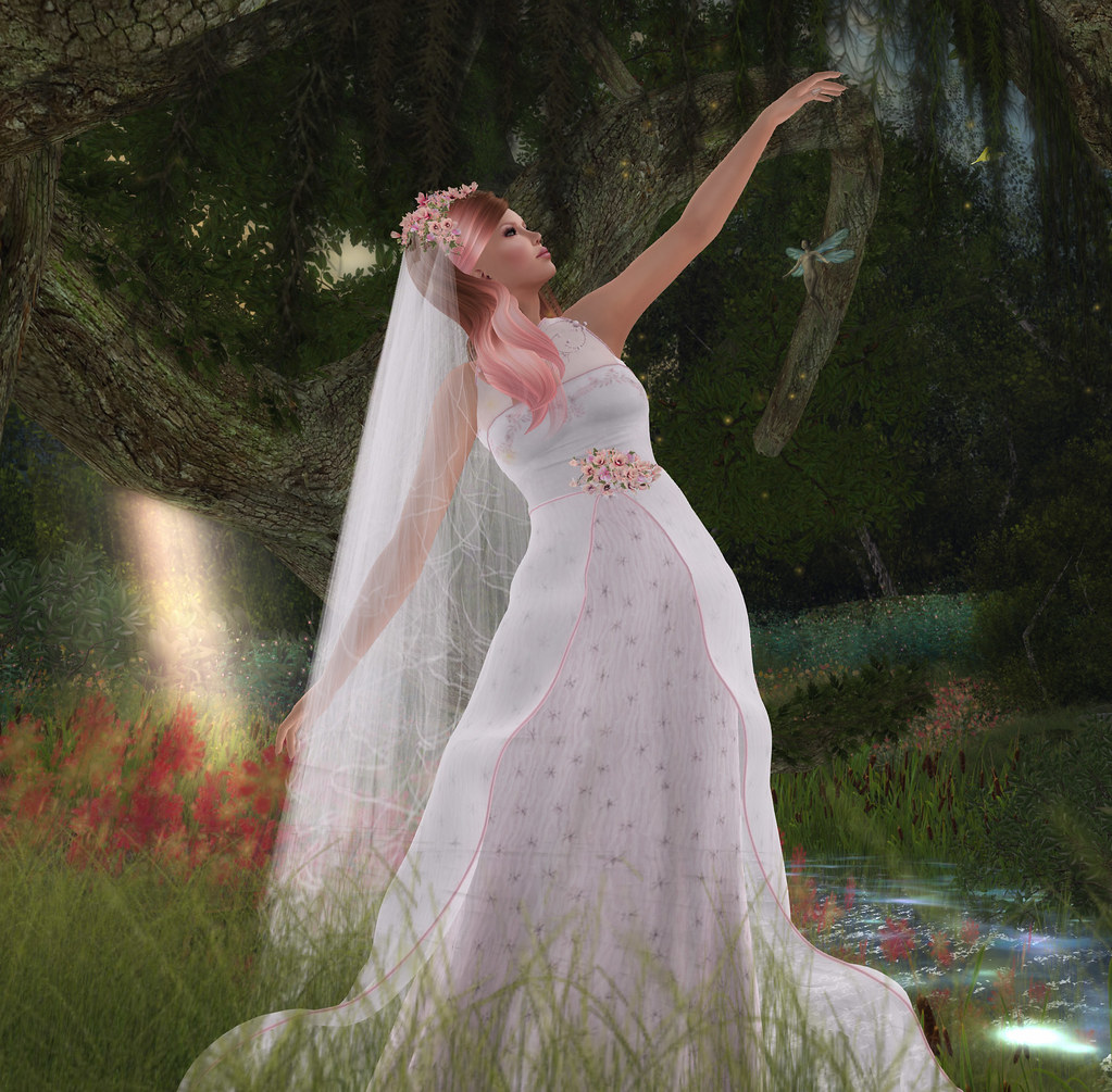 Thumbelina, gown by The White Armory @ Enchantment