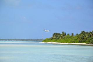 Maldivian Dash 8 on finals at Kaadedhdhoo Airport