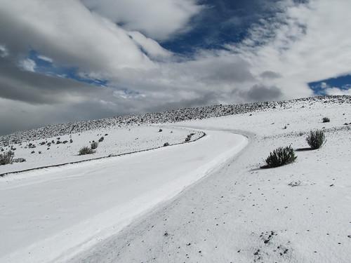 Descente du volcan Chimborazo à vélo. Euuuh nous n'allons quand même pas rouler à vélo sur ça ?? ;)