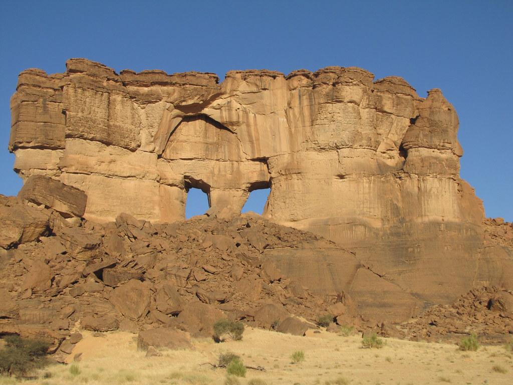 Ennedi. Saliendo de Archei. Arco de 'las Ventanas'