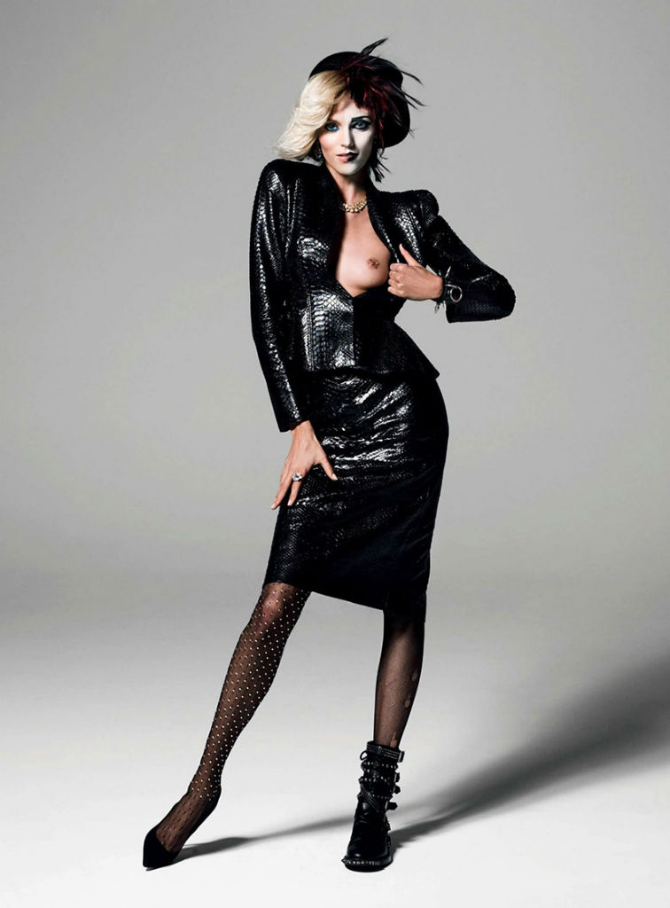anja-rubik-by-inez-vinoodh-for-vogue-paris-august-2013-6