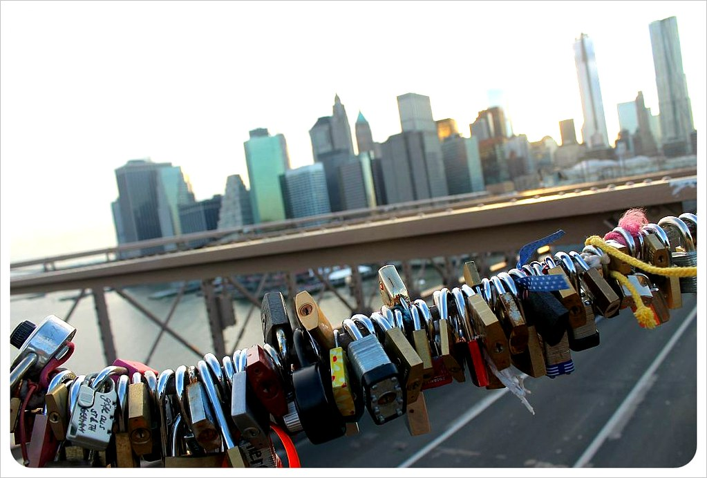 brooklyn bridge new york love locks and skyline