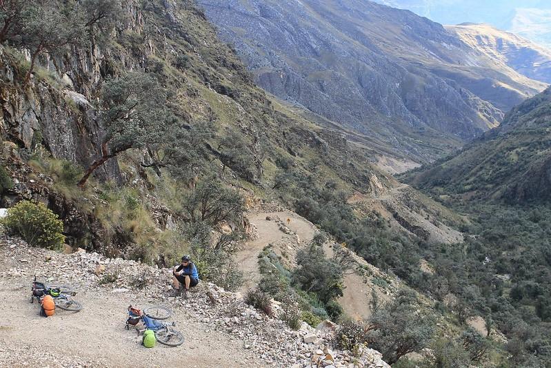 The steep climb above Quercos