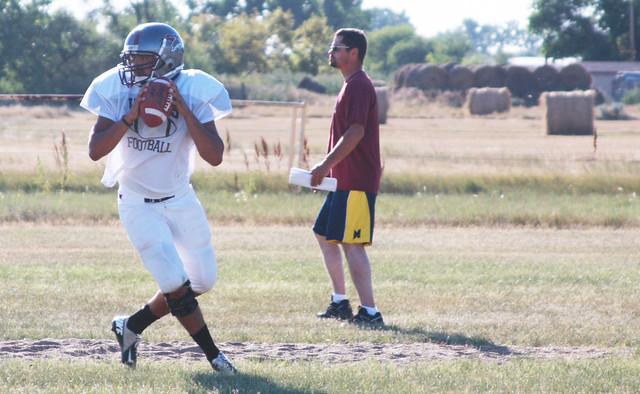 quarterback-practice