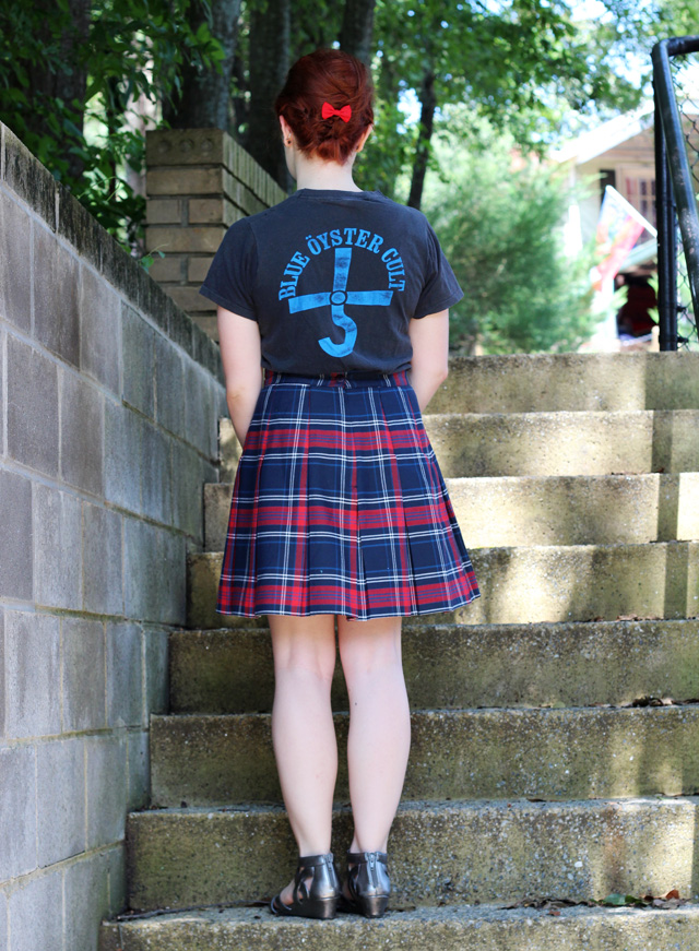 Vintage 70s t-shirt and a plaid skirt