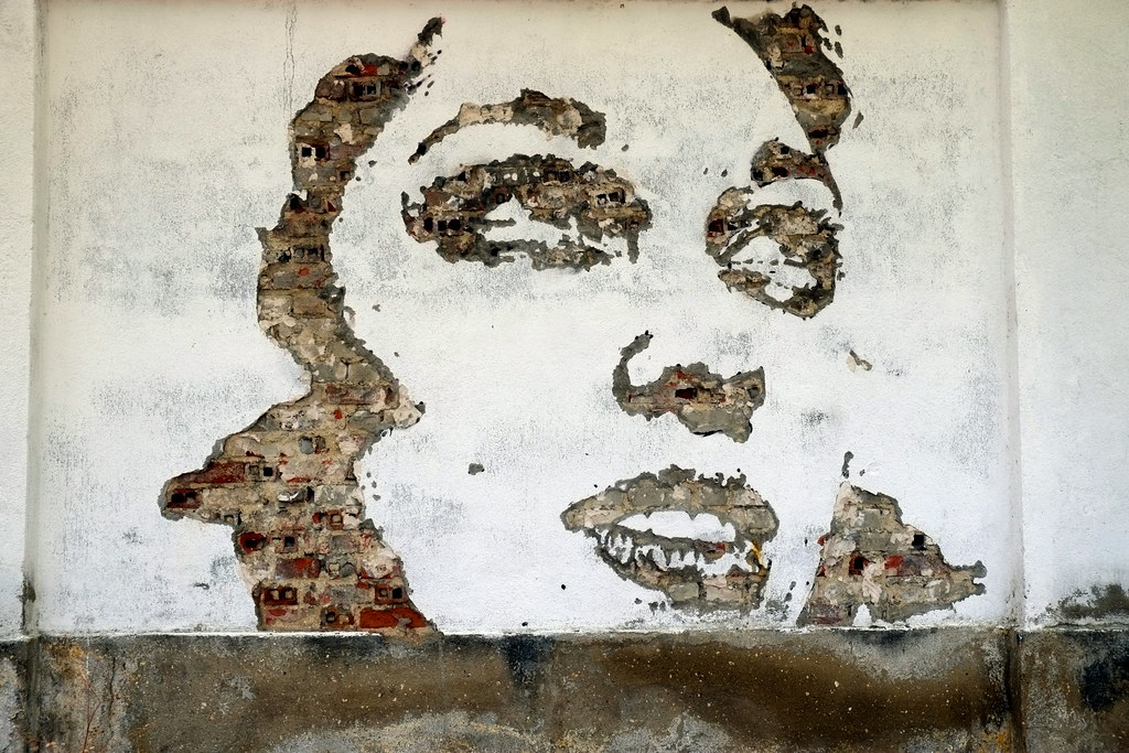 streetart | vhils | lisbon 2013