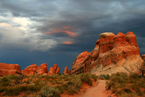 trail devilsgarden arches utah southwest landscape sunset sky cloud sandstone landscapebeauty landscapes101 landscapeswithatmosphere robertpahrephotography copyrighted donotusewithoutwrittenpermission donotusewithoutpermission