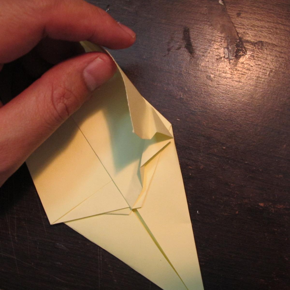 วิธีการพับกระดาษเป็นรูปหงส์ 009