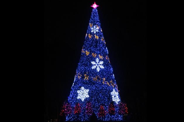 N首爾塔前的聖誕樹