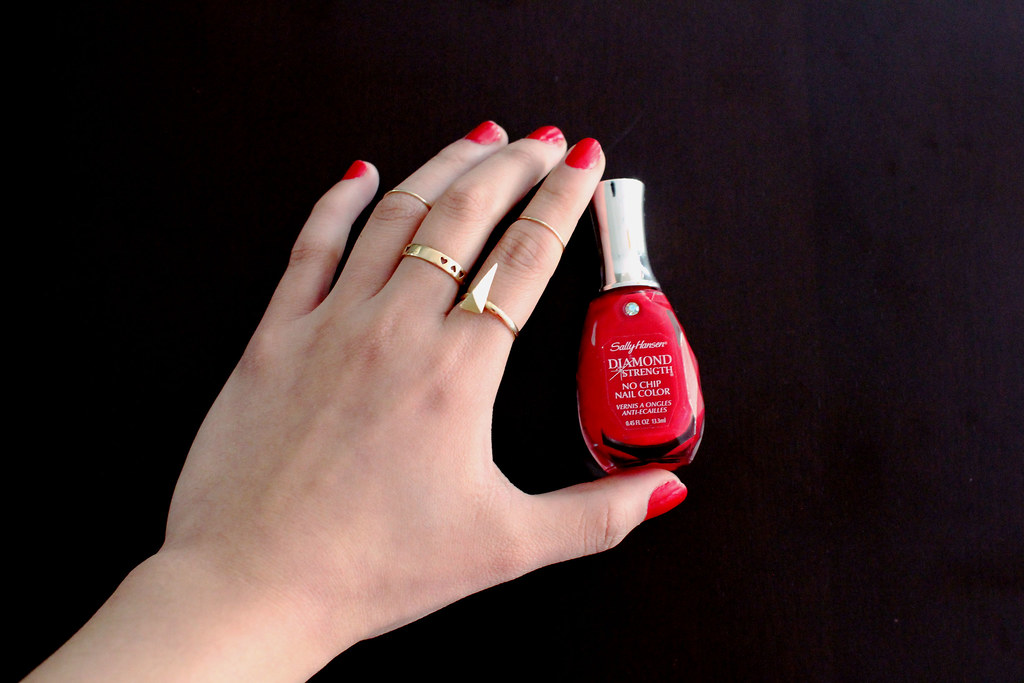 sally hansen, diamond strength, 360 diamond and rubies, nails, nail polish, review, beauty