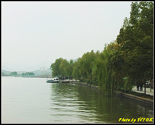 杭州 西湖 (其他景點) - 090 (湖濱路的湖畔與北山路的湖畔交界看西湖十景之 斷橋)