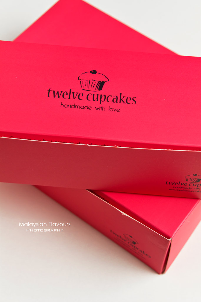 twelve-cupcakes-handmade-with-love