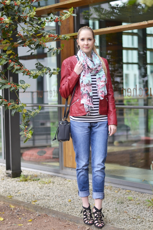 Outfit rote Lederjacke (4)