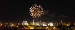 recreation(0.0), outdoor recreation(0.0), fireworks(1.0), event(1.0), new year's eve(1.0), night(1.0),