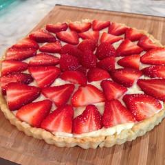 pie(0.0), pavlova(0.0), produce(0.0), cheesecake(0.0), torte(0.0), cherry pie(0.0), raspberry(0.0), pastry(1.0), strawberry pie(1.0), strawberry(1.0), baked goods(1.0), frutti di bosco(1.0), tart(1.0), fruit(1.0), food(1.0), dish(1.0), dessert(1.0),