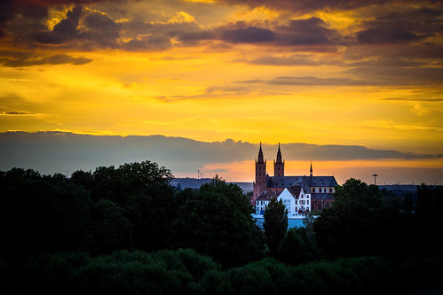sunset sky church colors clouds germany skies colours worms rhinelandpalatinate liebfrauenkirche