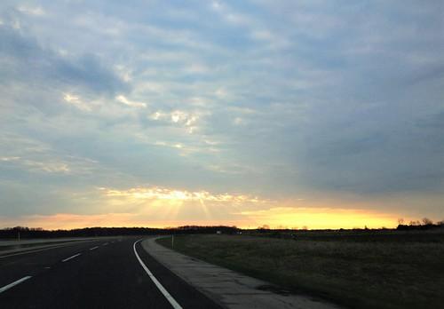 indiana sunrise turnpike highways clouds rays iphone topf25