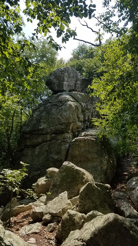 Big outcrops on White Rocks Trail