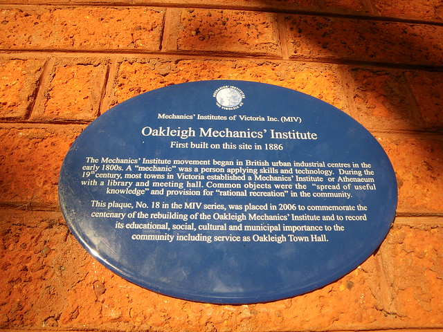Photo of Oakleigh Mechanics' Institute blue plaque