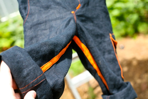 Coastal Cargos - inseam detail