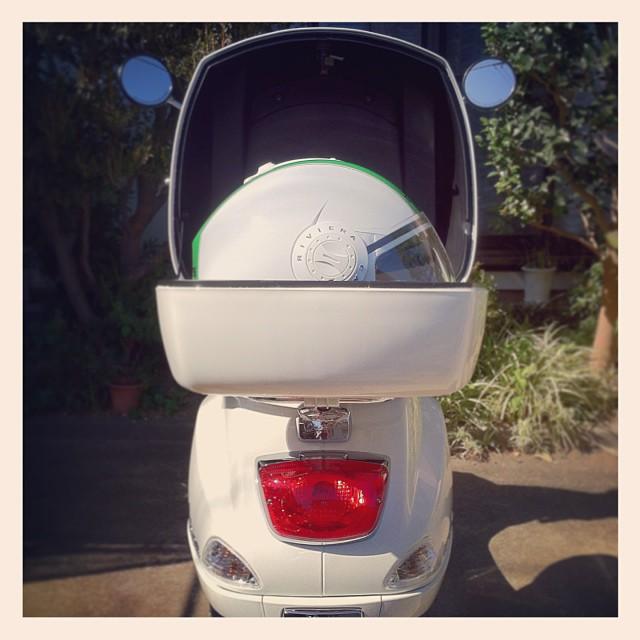 #Piaggio #Vespa LX125 3V + Top Box & #Caberg #Riviera V2+ Italia